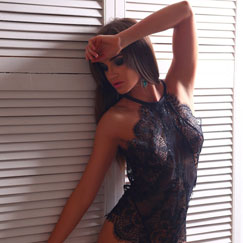 Elite Miami Escorts Stacey provides outcall escort service in West Palm Beach and Miami Beach