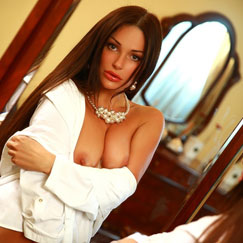 Miami Escorts model Sarah provides outcall escort service in Bal Harbour